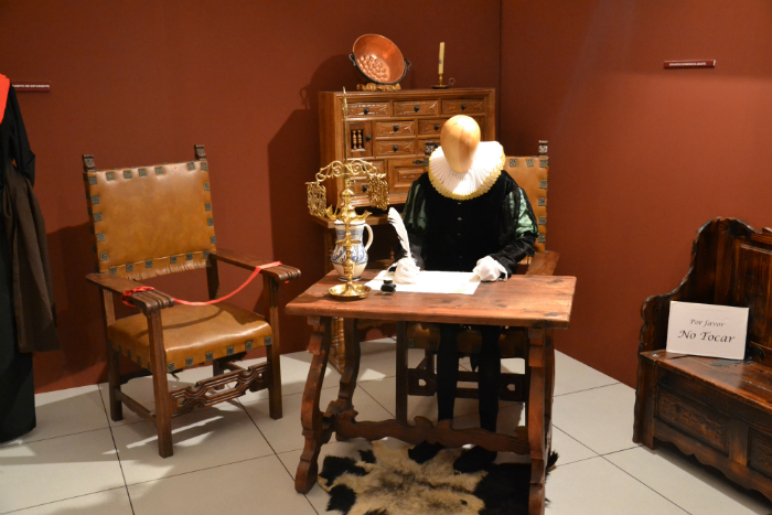 In Alcalá de Henares you will be able to know up close the life of Miguel de Cervantes, one of the most influential writers of universal history / Photo: OgoTours