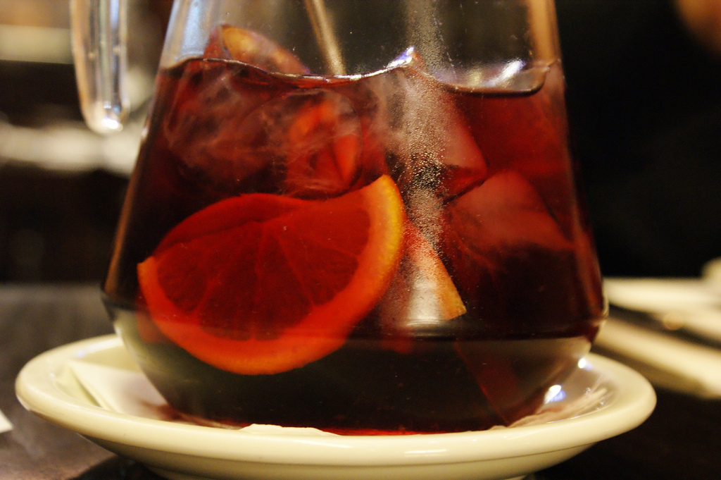 Before ordering Sangria check the price as it is usually is a tourist trap in many bars and restaurants / Photo: bastiend (Flickr)