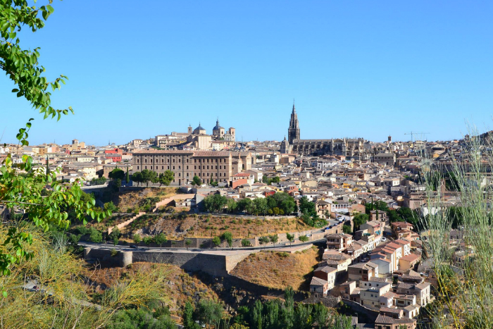 Toledo, the Imperial City, was one of the most important cities in Europe during the Middle Ages. Its narrow streets take us back in times / Photo: OgoTours