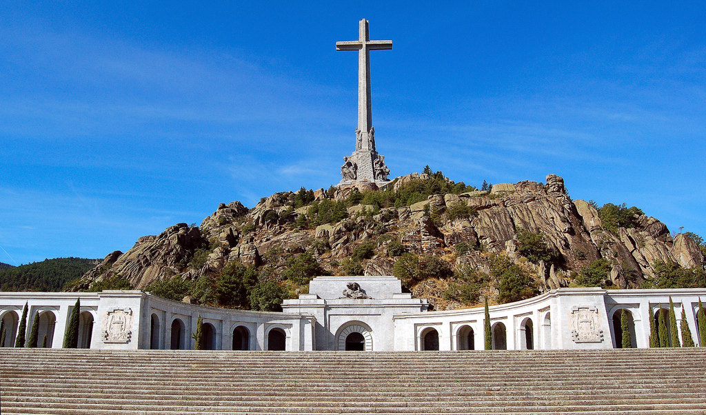 This monument is a beautiful way to approach one of the saddest episodes in modern history of Spain, the Civil War / Photo: Neticola (Flickr / C.C.)