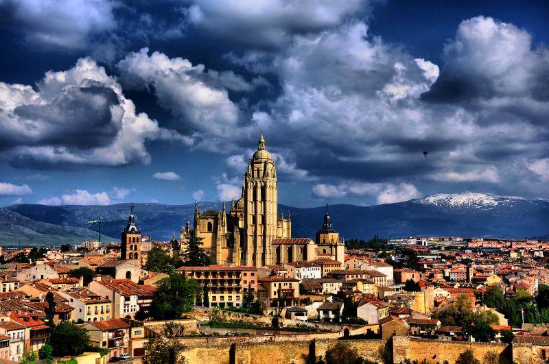 How to get to Segovia from Madrid Cathedral