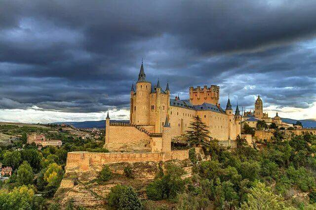 Private Guided Tours From Madrid: Segovia